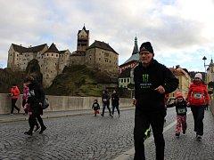 Mezi běhy, které mají už dlouholetou tradici, patří Novoroční běh kolem Lokte. Letos se ho zúčastnil rekordní počet startujících, bylo jich na tři stovky.