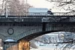Chebský most přes řeku Ohři v Karlových Varech.