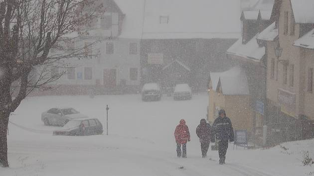 Říjen 2007. Sníh na Božím Daru.