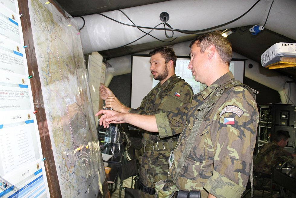 Z mezinárodního cvičení ve vojenském výcvikovém prostoru Hradiště.
