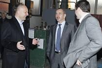 Ministr Kuba na návštěvě ve firmě REALISTIC v Karlových Varech.