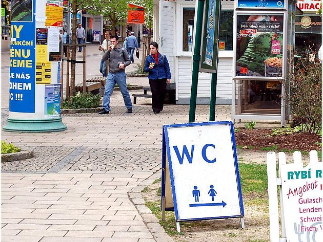 WC v centru Karlových Varů