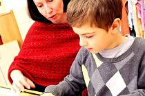 Ve třídách bude učit vždy jeden učitel a jeden pedagogický asistent.