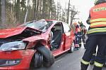 Zásah hasičů na místě dopravní nehody u Mezirolí.