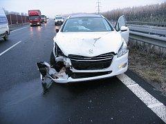Nehoda na silnici R6.
