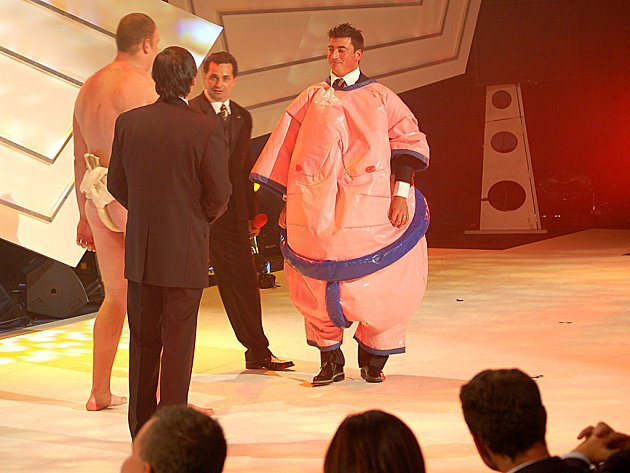 Hokejista Tomáš Kaberle vyzkoušel sumo.