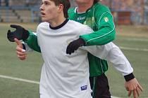 Buldok Jan Staněk (v bílém).