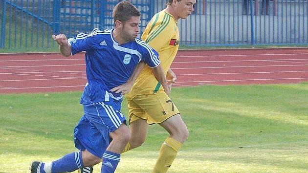 Fotbalisté 1. FC Karlovy Vary porazili domácí Tachov 2:1 až po osmnácté sérii pokutových kopů.