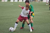 Žáci FK Ostrov B zvítězili v okresním přeboru bez větších problémů. Úspěch se tak dá přirovnat i k titulu pražské Sparty.