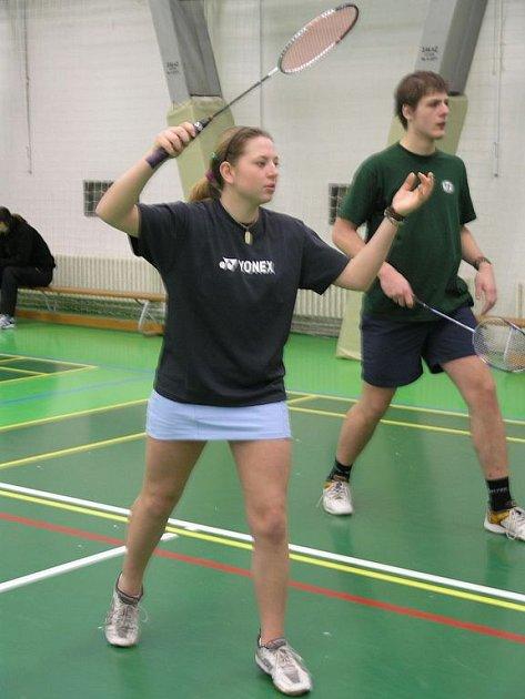 POSTUP NA MISTROVSTVÍ REPUBLIKY si vybojovala nejdecká badmintonistka Marcela Nesvedová. Na šampionátu bude startovat ve smíšené čtyřhře s Petrem Vackem ze Sokola Doubravka.