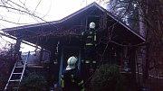 V Ostrově hořela zahradní chatka, předběžná škoda je 85 tisíc korun.