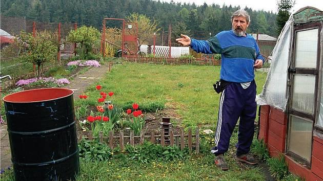 ŠŤASTLIVEC. Zahrádkář Saša Horňáček patří k těm, kteří o svou milovanou zahrádku nejspíš nepřijdou.