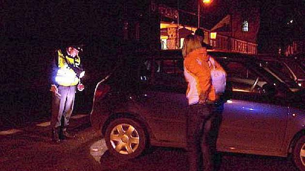 KONTROLY NEUSTÁVAJÍ. Policisté si i tento víkend vyšlápli na neukázněné motoristy. (Ilustrační foto.)