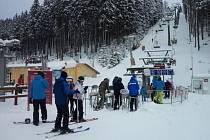 Lyžování ve Skiareálu Neklid - Boží Dar.