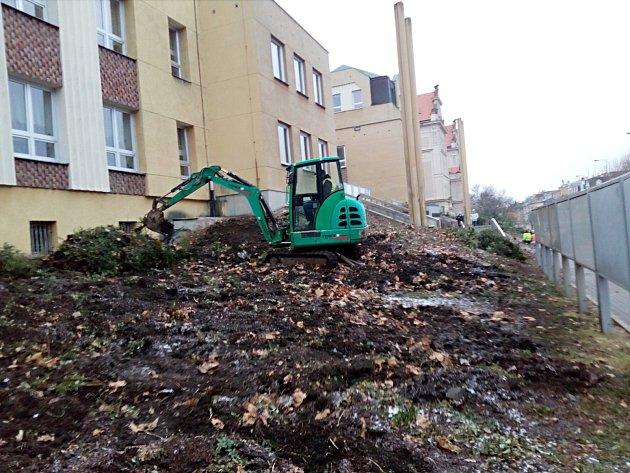 Parkové úpravy kolem Magistrátu města Karlovy Vary.