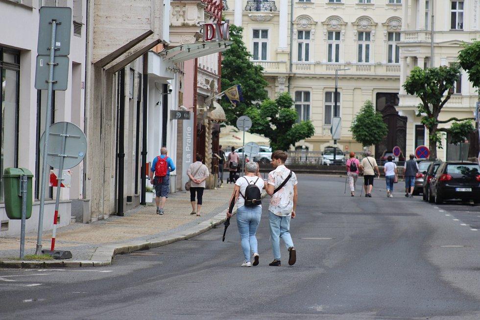 Ulice karlovarského lázeňského území.