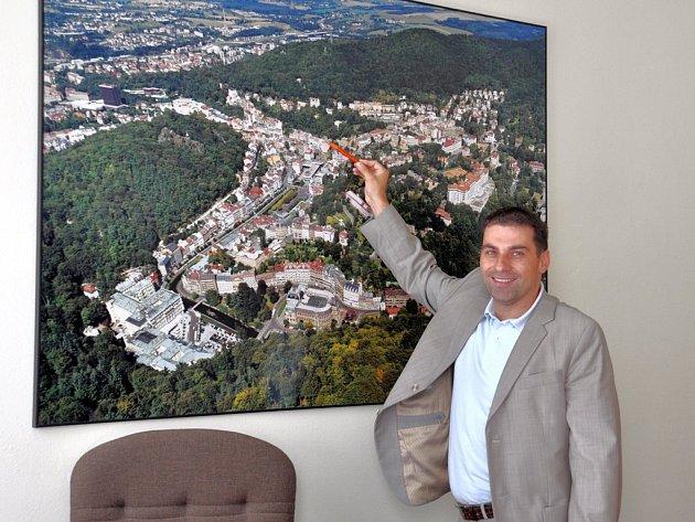 Kraj chce více expertů. Dle Tomáše Hybnera kraj navázal spolupráci s agenturou Czech Invest.