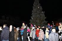 Rozsvícení vánočního stromu v Nejdku.