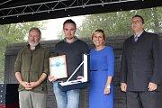 Regionální výrobci si poprvé od Karlovarského kraje převzali oceněné za své produkty v rámci soutěže Dobrota Karlovarského kraje.