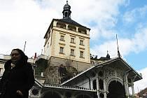 ZATÍM BEZ DOHODY. Město ji od pronájemce požaduje vrátit okamžitě, aby už v září obyvatelé a návštěvníci lázní mohli spatřit sklepení, kde údajně spočinula noha vladaře Karla IV.