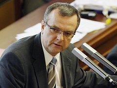 Stát potřebuje peníze, vypůjčí si je u rodin. Tak vypadá protikrizová taktika, kterou začal připravovat šéf státní kasy Miroslav Kalousek (KDU-ČSL).