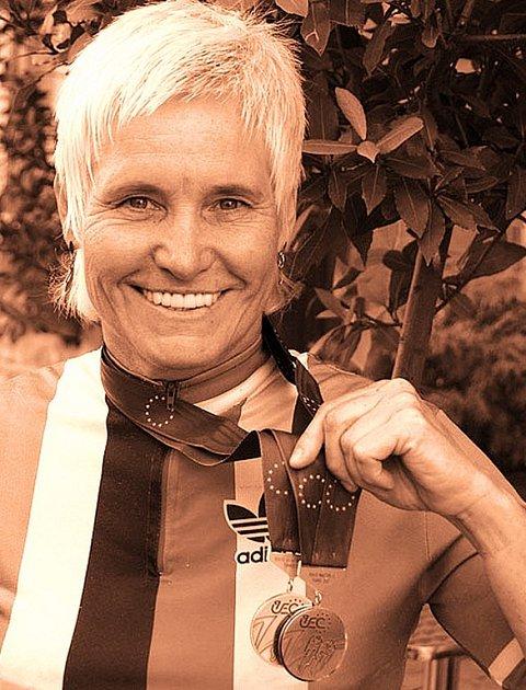Věra Ježková si přivezla z mistrovství Evropy dvě stříbrné medaile.
