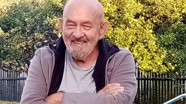 Zemřel Vladimír Kulhánek, karlovarský politik a bývalý senátor