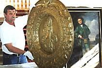 Předměty z bečovského zámku míří poprvé do zahraničí. Prezentovány budou v Namuru, srdci Valonska.