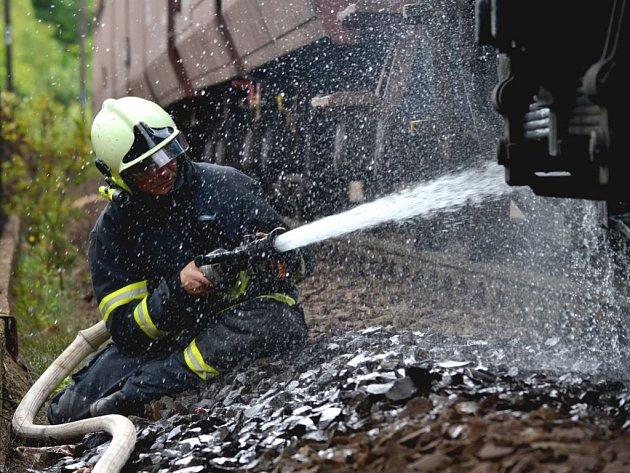 Požár vlaku u Královského Poříčí.