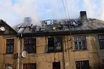 Vyhořelý dům.