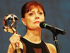 Na loňském Mezinárodním filmovém festivalu získala Křišťálový globus za mimořádný umělecký přínos světové kinematografii herečka Susan Sarandonová.