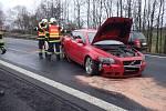 Dopravní nehoda na silnici z Prahy do Karlových Varů