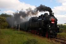 Parní lokomotiva řady 354 195 povede zvláštní historický vlak z Karlových Varů do Potůčků a zpět