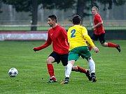 Františkovy Lázně (ve žlutém) doma deklasovali Sokol Citice poměrem 6:0.