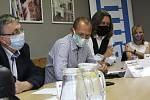 Setkání lídrů vybraných politických stran před krajskými volbami 2020 na statku Bernard v Královském Poříčí.