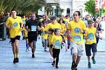 Tisíce rodičů s dětmi si užily báječnou atmosféru v rámci dm rodinného běhu, který je nedílnou součástí Mattoni 1/2Maratonu Karlovy Vary.