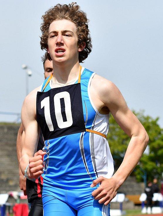 V Karlových Varech se odehrálo 1. kolo OMD juniorů, juniorek, dorostenců, dorostenek, ve kterém se představili atleti ze tří krajů, a to Jihočeského, Plzeňského a Karlovarského.
