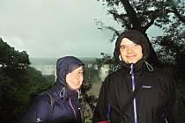 Cestovatelé si rozhodně nemohli nechat ujít návštěvu největších světových vodopádů Iguacu. Foceno z brazilské strany.