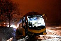 Místo nehody autobusu.