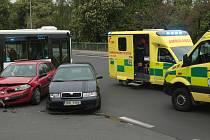 Dopravu v centru lázní zkomplikovala nehoda.