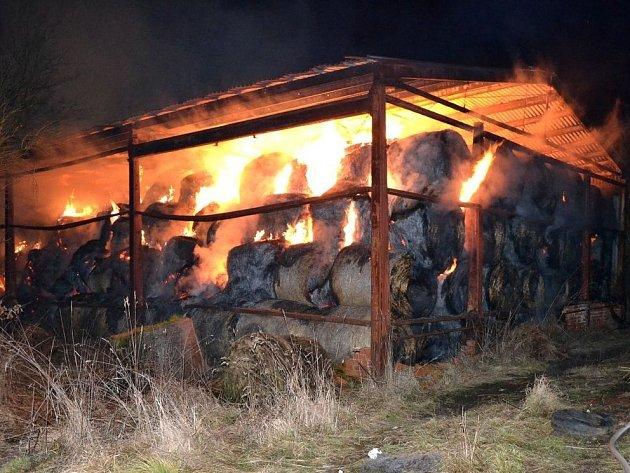 Požár seníku v Mírové způsobil škody za 1,2 milionu korun