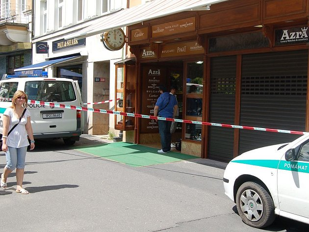 Karlovy Vary, Stará Louka. Vyloupené zlatnictví.