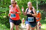 T-Mobile Olympijský běh. Na start loňského závodu se postavilo několik desítek běžců.