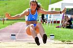 Atletická bitva tří krajů. Tu hostily o víkendu v rámci 1. kola OMD dorostu a juniorů Karlovarského, Plzeňského a Jihočeského kraje Karlovy Vary.