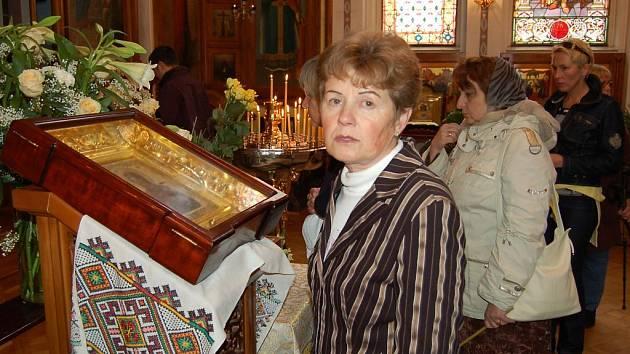 Davy pravoslavných věřících se přišly v sobotu poklonit do kostela svatého Petra a Pavla v Karlových Varech ostatkům slavného ruského knížete, svatého Alexandra Něvského.