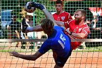 Nohejbalisté Liaporu zvládli dohrávku 1. kola extraligy, když na svém stadionu v Doubí porazili Žatec 6:2.