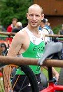 Na start ostrovské Xterry se kvůli zraněnému kotníku tentokrát nepostavil lyžař Lukáš Bauer, jinak se na start oblíbeného závodu postavili největší favorité Jan Kubíček a Karel Zadák.