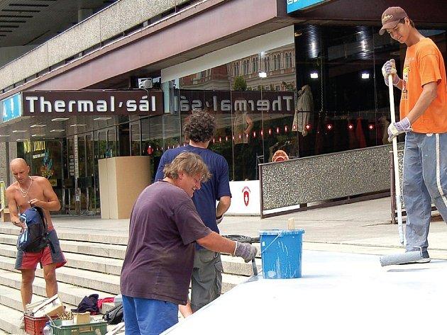 Hotel Thermal je sice každoročně centrem filmového festivalu, ale už roky volá po nákladné investici.