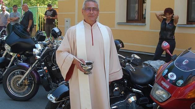 Benefiční akce na podporu kostela v Sedleci byla nejen o muzice