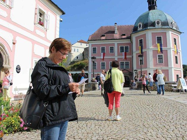MEZI NEJNAVŠTĚVOVANĚJŠÍ památkové objekty v regionu patří také letos státní zámek a hrad v Bečově nad Teplou.